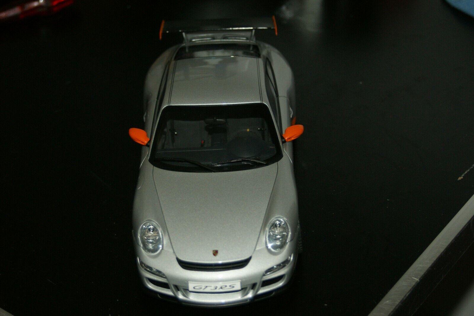 1 18 Carart Porsche 911 997 GT3 RS grau   Orange stripes