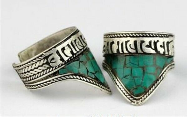 Adjustable Tibetan Turquoise Inlay Delicately Carved Mantra OM Mani Amulet Ring