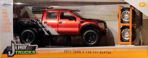 2011 FORD f-150 SVT RAPTOR Set Pneumatici /& Cerchi Rosso Nero 1:24 Jada Toys 97331
