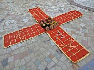 TRADITIONAL-ANCIENT-INDIA-CHESS-TYPE-CHAUPAR-CHAUSAR-LUDO-CLOTH-BOARD-GAME-G1