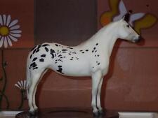 Breyer Modellpferd Black Hand Pony of the Americas Appaloosa Traditional