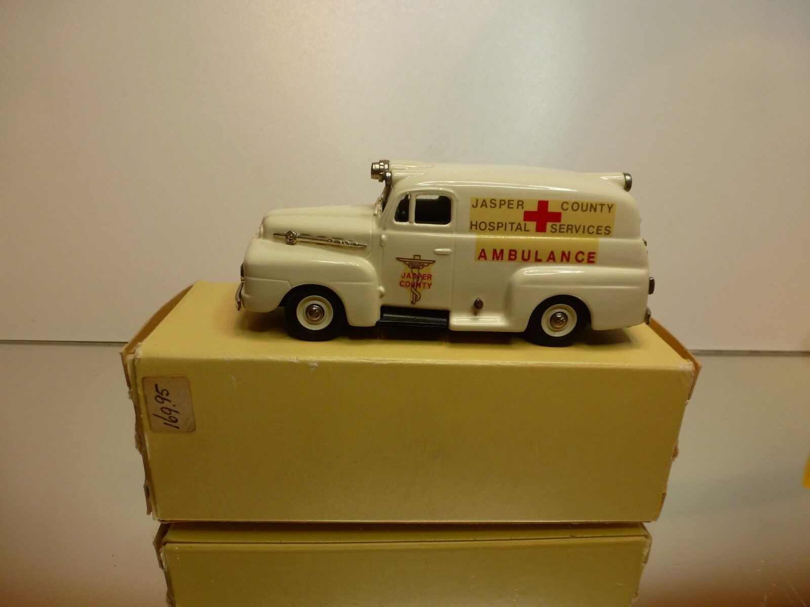 BROOKLIN MODELS BRK42 FORD F1 1952 AMBULANCE - CREAM 1 43 - EXCELLENT IN BOX