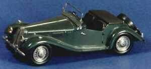 MG TF sports car kit - white metal model to assemble and paint