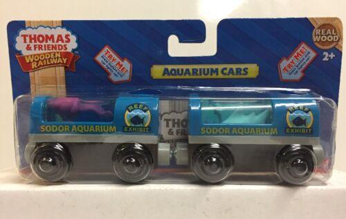Thomas & Friends Wooden Railway Light-Up Sodor Aquarium Cars , NEW