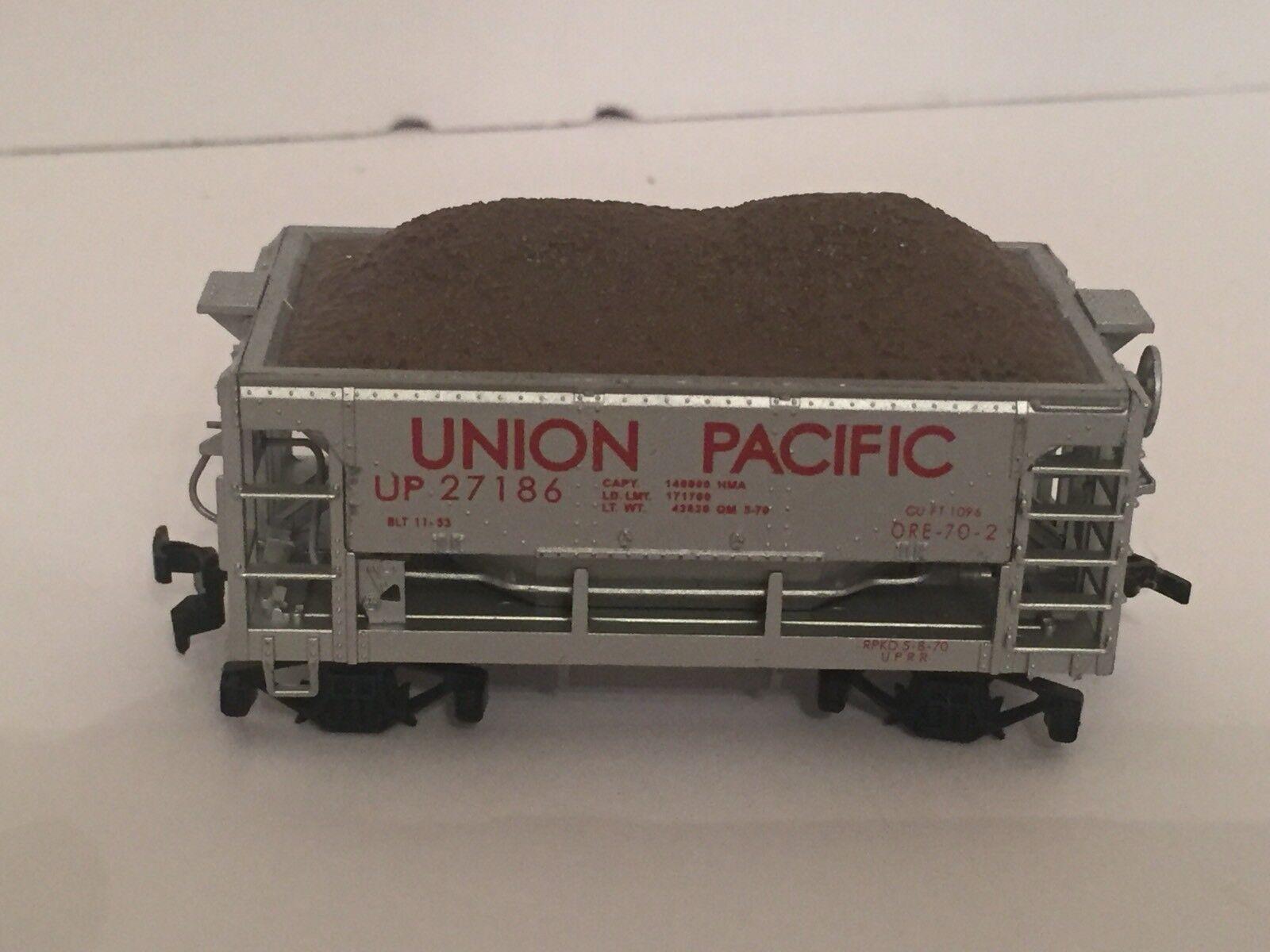 LIONEL TRAIN DIE CAST UP 27186 UNION PACIFIC RAILROAD ORE HOPPER CAR -RARE-