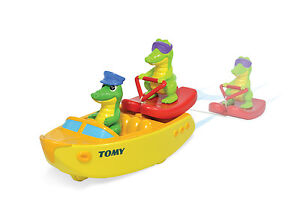 TOMY-Ski-Boat-Crocs-Crocodiles-Classic-Pull-String-Kids-Bath-Pool-Toy-NEW