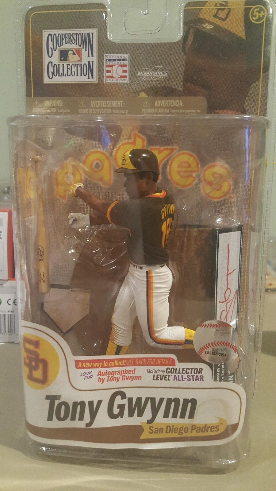 MCFARLANE MLB COOPERSTOWN COLLECTION AUTOGRAPHED TONY GWYNN OF 100