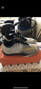 Nike-Hyperlive-White-Metallic-Gold-Basketball-Men-039-s-Shoes-819663-170-Size-9-US