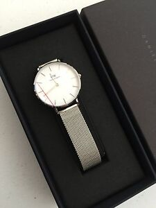 91863fa1e7c New Daniel Wellington Lady s Classic Petite Sterling 28mm Watch ...