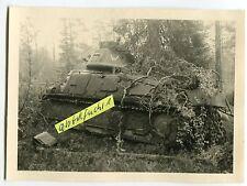 Foto : Beute-Panzer mit 402 und W aus Frankreich mit Balkenkreuz im 2.WK