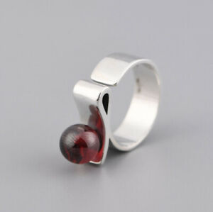 F05-Ring-Silver-925-Modern-Curved-Form-Red-Crystal-Adjustable-Size