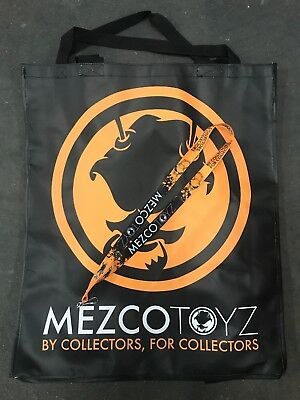 MEZCO NYCC 2018 EXCLUSIVE ONE:12 COLLECTIVE PROMO SWAG BAG /& LANYARD