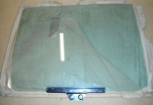 Ford-Granada-Mk2-08-81-4dr-saloon-Left-hand-rear-door-glass-green-tint-new