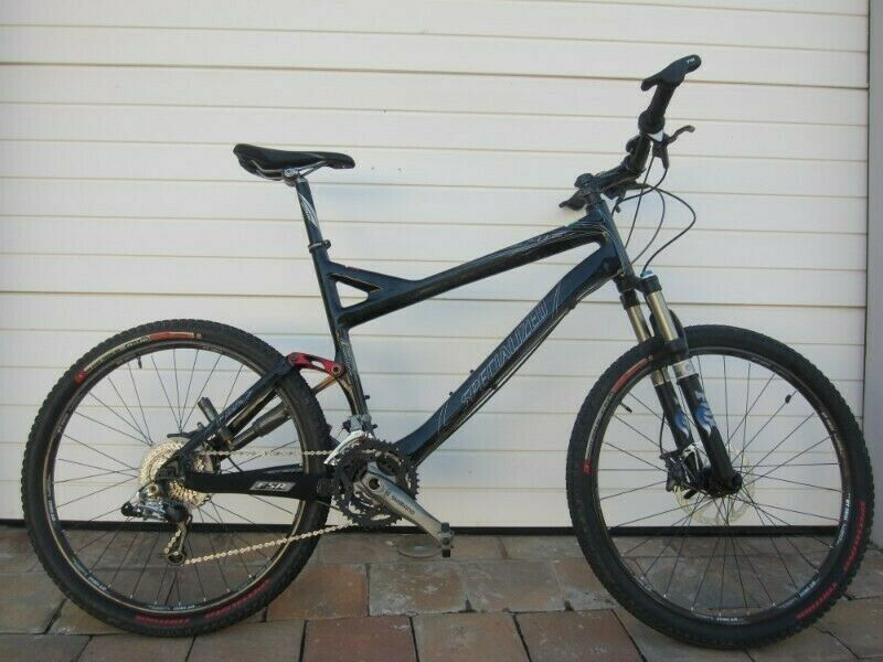 Specialised Epic Expert Carbon Mountain Bike FOR SALE