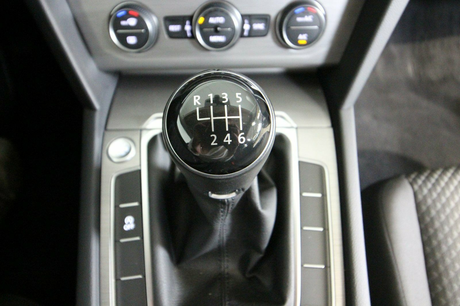 VW Passat TSi 150 Trendline Vari.