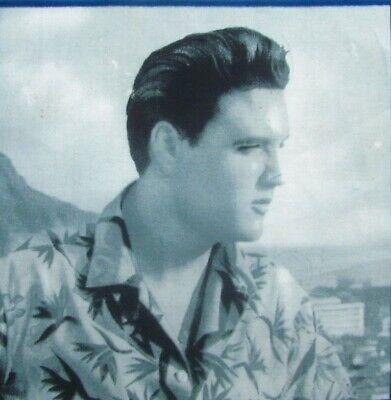 "Elvis Presley Block Hawaii Face Profile Black//White 6.5 x 6.5/"" on Cotton Fabric"