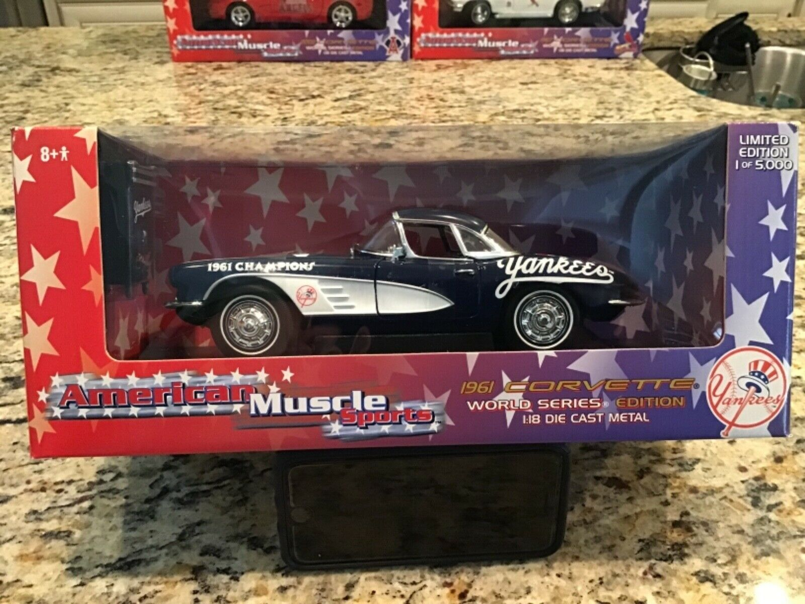 American Muscle Sports 1 18th Scale 1961 Corvette World Series New York Yankees