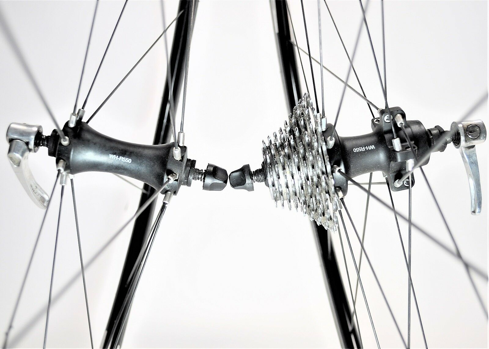 SHIMANO WH-R550 700C X 15 BICYCLE 8 9 10 SPEED STRAIGHT BLADED WHEEL SET 130 MM