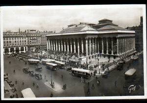 PARIS-II-AUTOBUS-au-PALAIS-de-la-BOURSE-en-1934