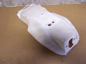 Kotfluegel-hinten-weiss-XT-350-55V-Yamaha-am-Rahmen-rear-fender
