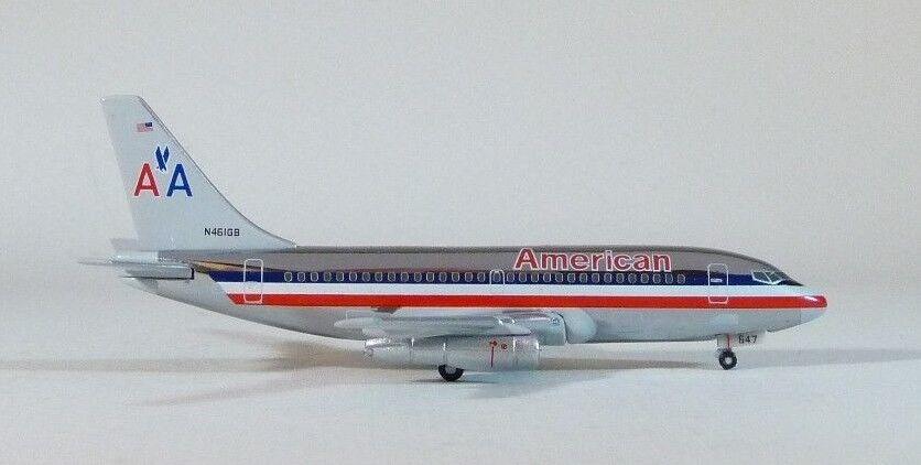 1 400 negrobox American Airlines B 737-293 Cromo