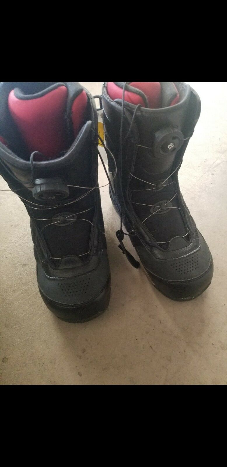 5150  Men's Snowboard boots never worn snowboarding US size mens 8.5