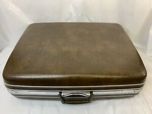Vintage-70s-Samsonite-Silhouette-Large-Brown-Hard-Suitcase-Luggage-Prop-Display