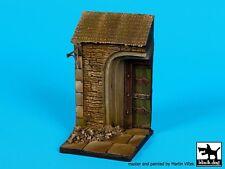 Black Dog 1/35 House Door Section Vignette / Diorama Base (60mm x 60mm) D35073