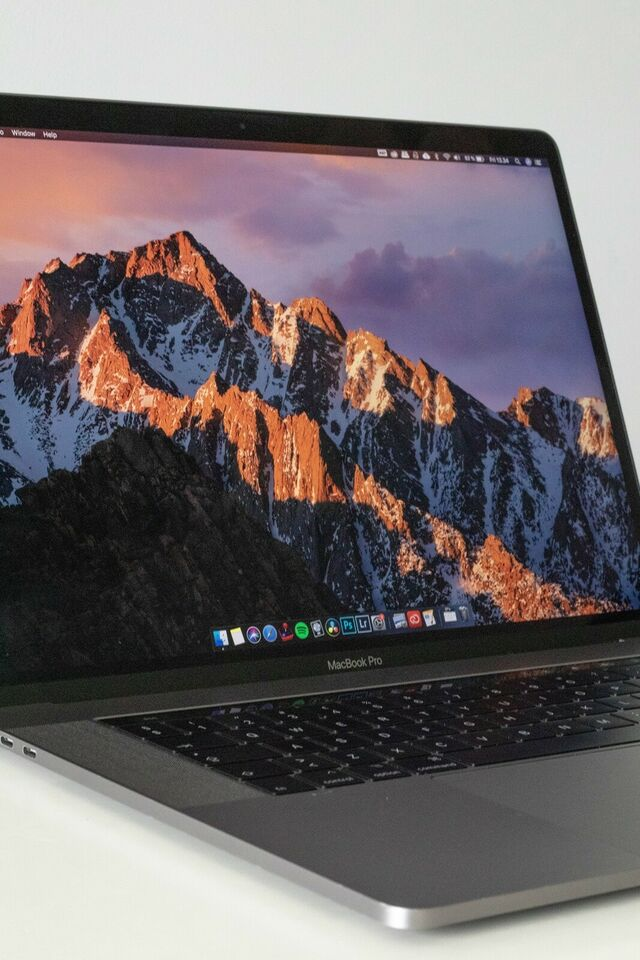 "Apple MacBook Pro 15"" med Touch Bar - Sp"