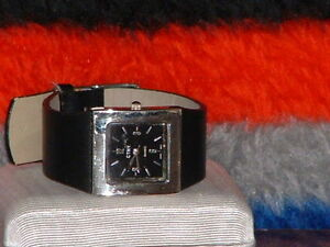 Pre-Owned-Ladies-CTNY-Fashion-Analog-Watch