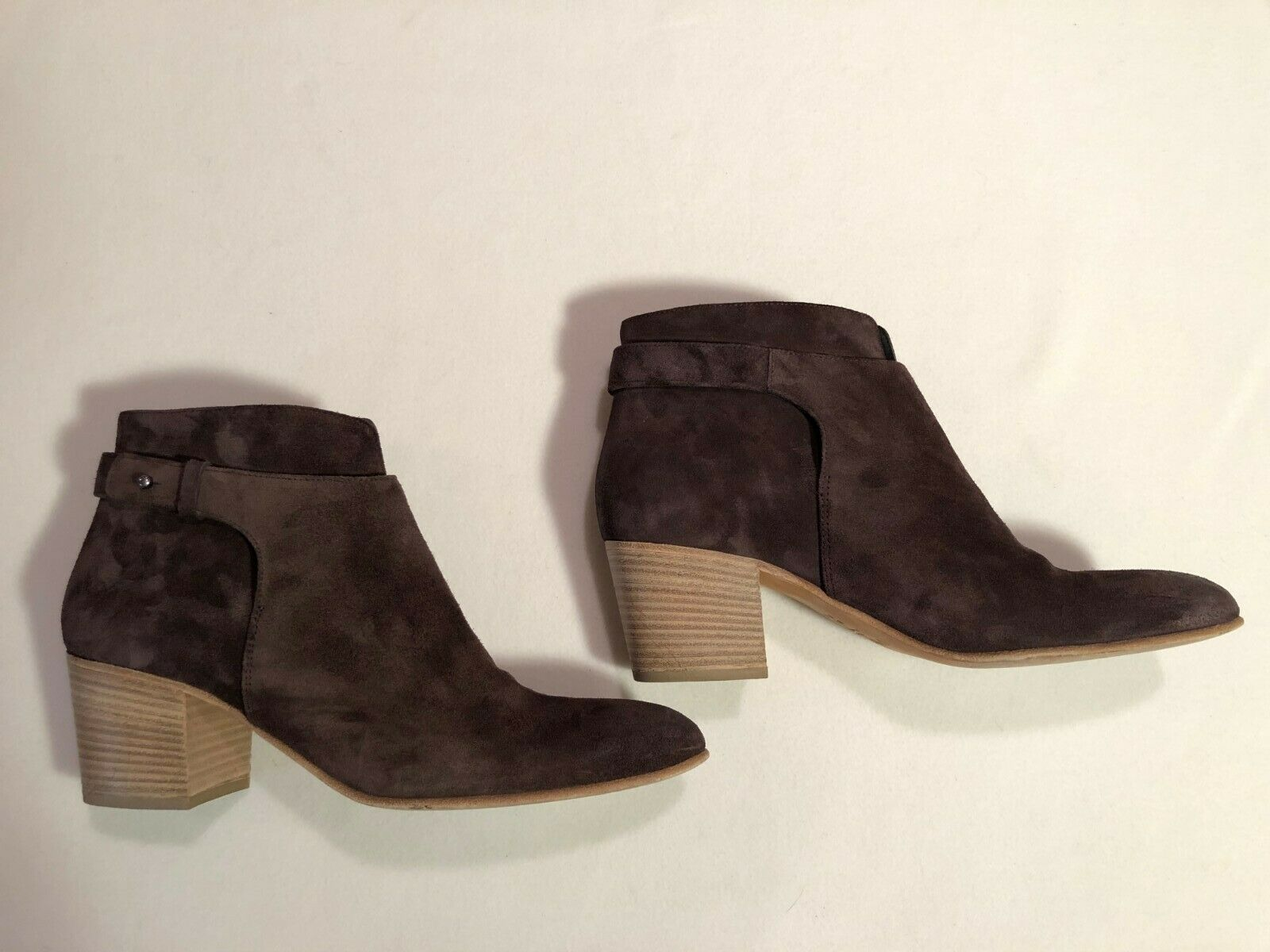 Vince brown suede ankle boot size 10 2.5 in heel