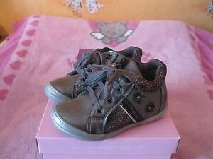 Chaussures-Grise-Taille-26-neuve