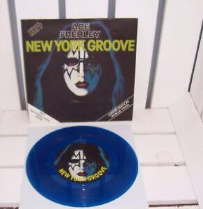 KISS-SINGLE-7-034-NEW-YORK-GROOVE-PYE-CAN135-UK-BLUE-VINYL