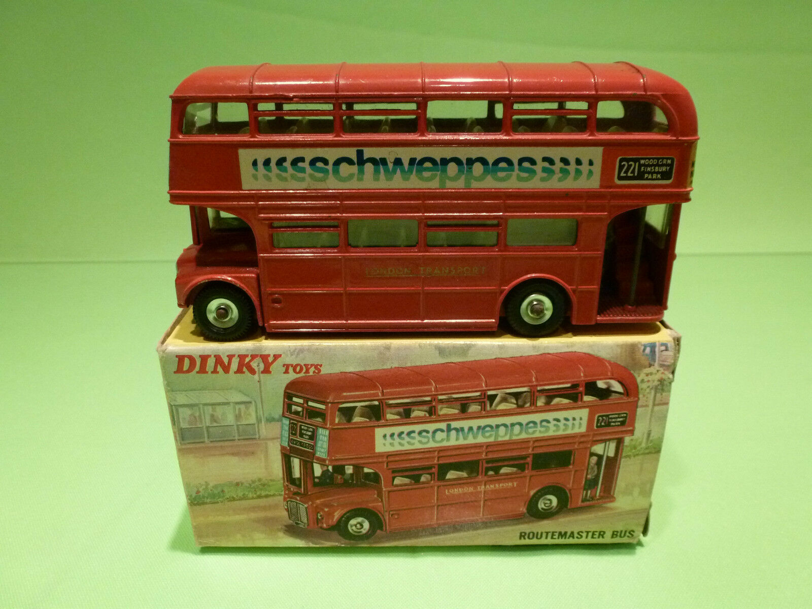 DINKY TOYS 289 ROUTEMASTER BUS - SCHWEPPES - NEAR MINT CONDITION IN BOX