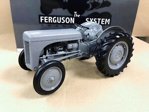 Universal-Hobbies-1-16-FERGUSON-TEA-20-1949-Tractor-Diecast-Model-UH2690