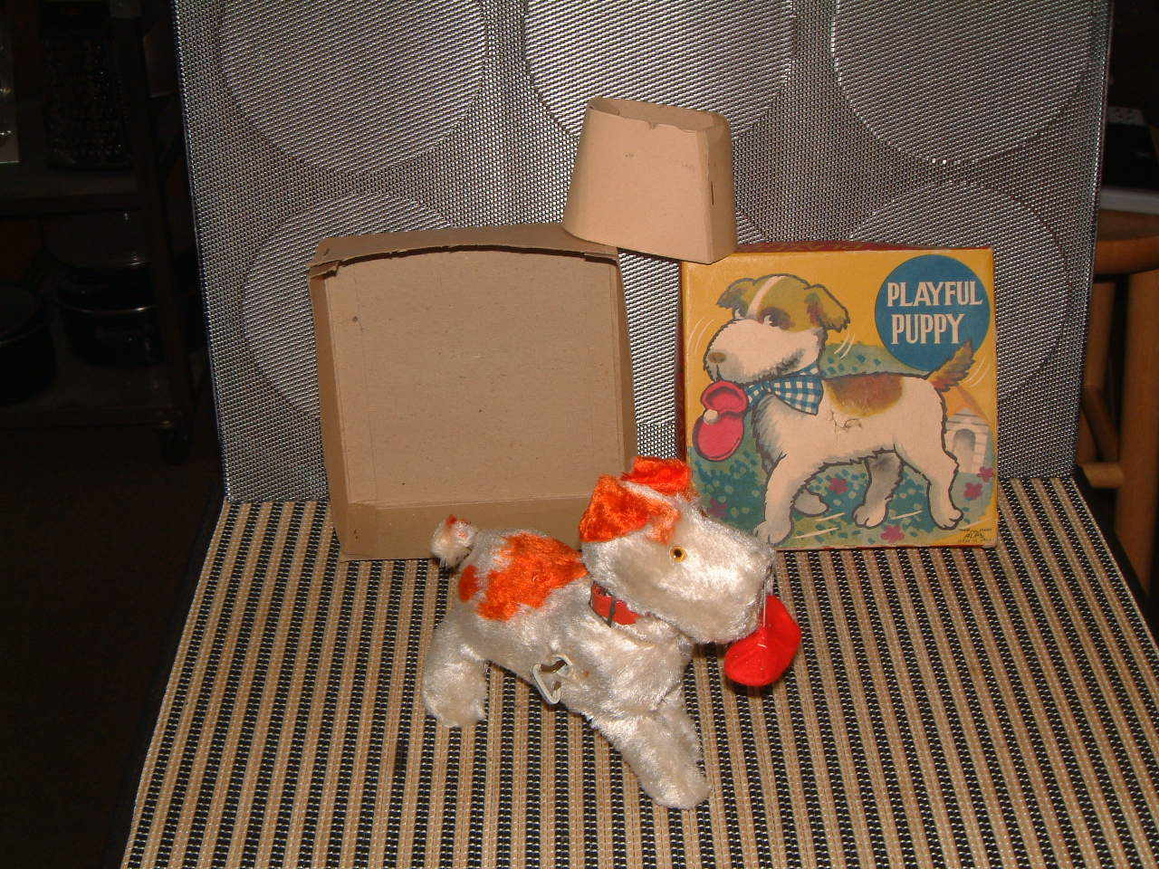 ALPS MECHANICAL (CLOCKWORK) PLAYFUL PUPPY. PERFECTLY WORKING IN ORIGINAL BOX