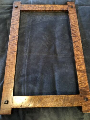 Qtr sawn oak mission picture frame 11x14 mission frame With Walnut Pegs Prairie