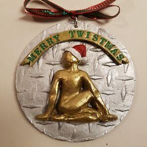 Merry-Twistmas-Yoga-pose-Christmas-Ornament
