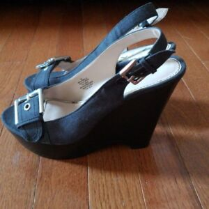 Nine-West-Black-Dark-Grey-Open-Toe-Wedges-Size-7