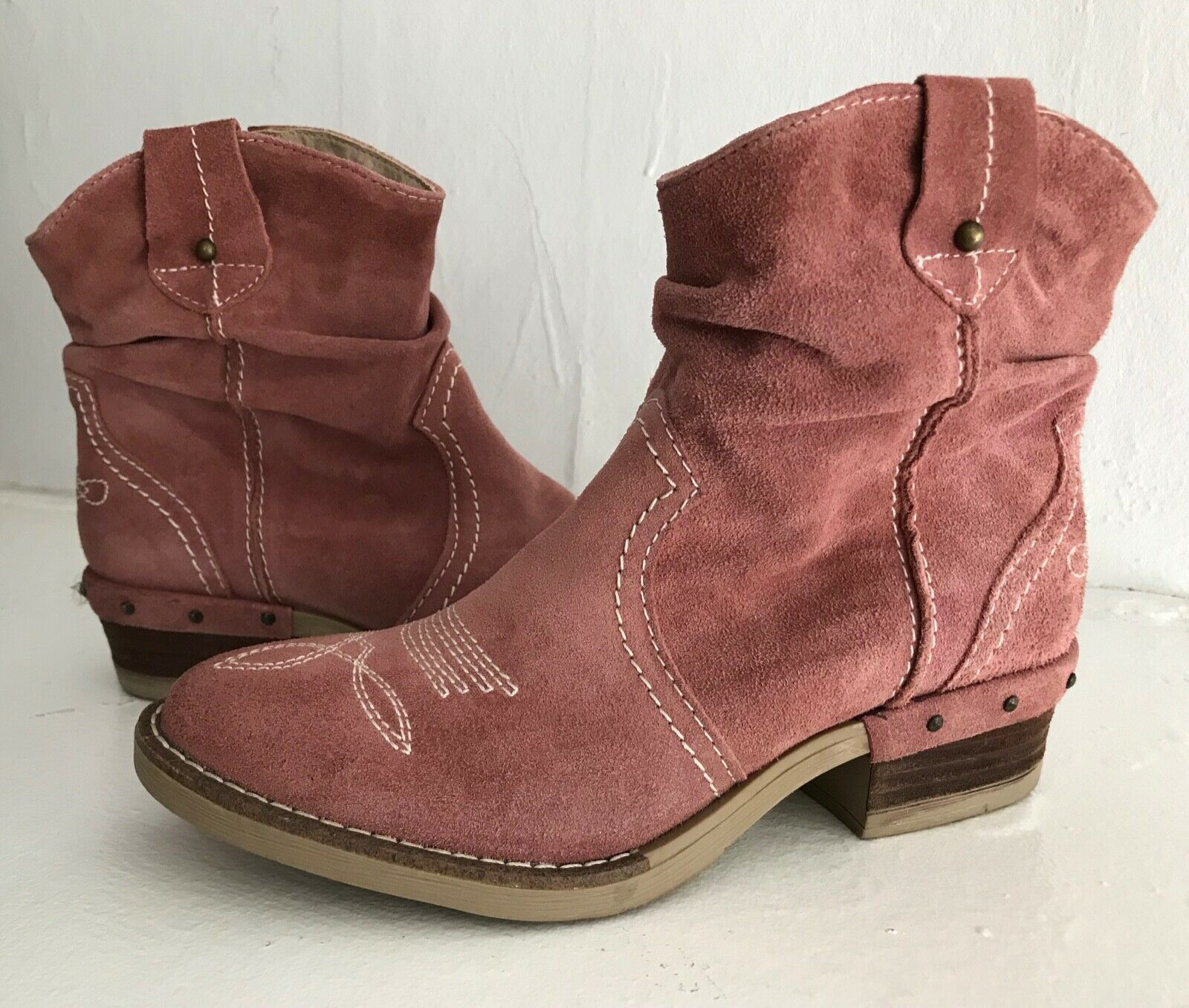 178 SUNDANCE Pink Suede ETTA BOOTS Western Cowboy Ankle HTF SPRING COLOR 38 7.5