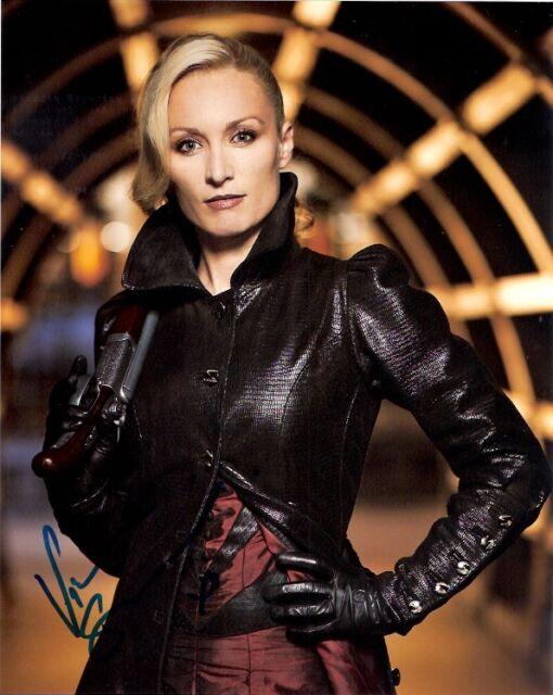 Victoria Smurfit Dracula Autographed Signed 8x10 Photo COA