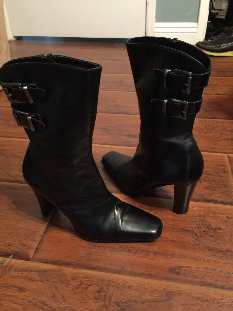 Charles David Womens Black Leather boot Size with two side buckles Size boot 7 M 096672