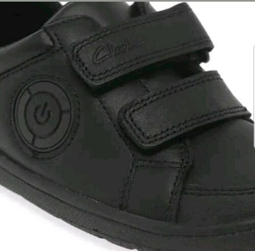 Boys Zapatos negro escuela Clarks Pop cuero con de de estuche Fuzzle Nuevo TqFAxBxtwE