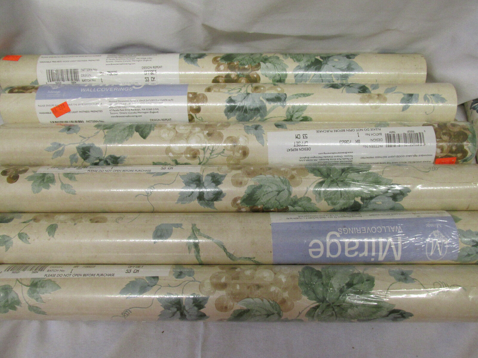 WALLPAPER LOT 6 MIRAGE  MULTI-COLOR GRAPES