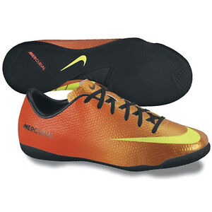 nike shoes for soccer indoor