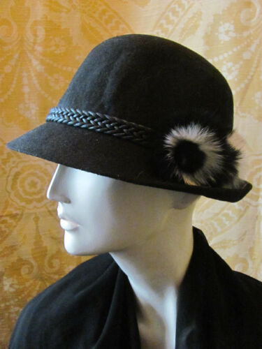 PATOU VELVET 1920s Style Classic Black Hat With Fu
