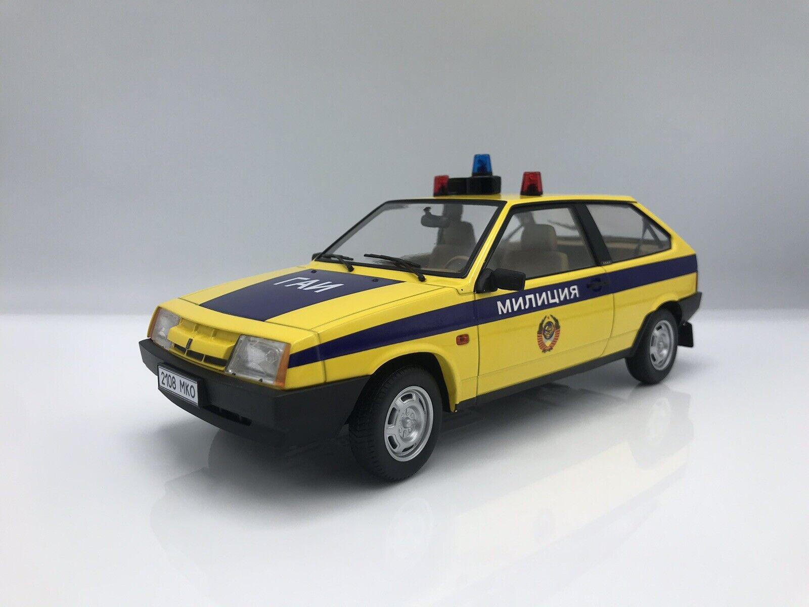 Lada Samara, giallo blu, policía su, milizija, 1984 - 1 18 KK-scale new