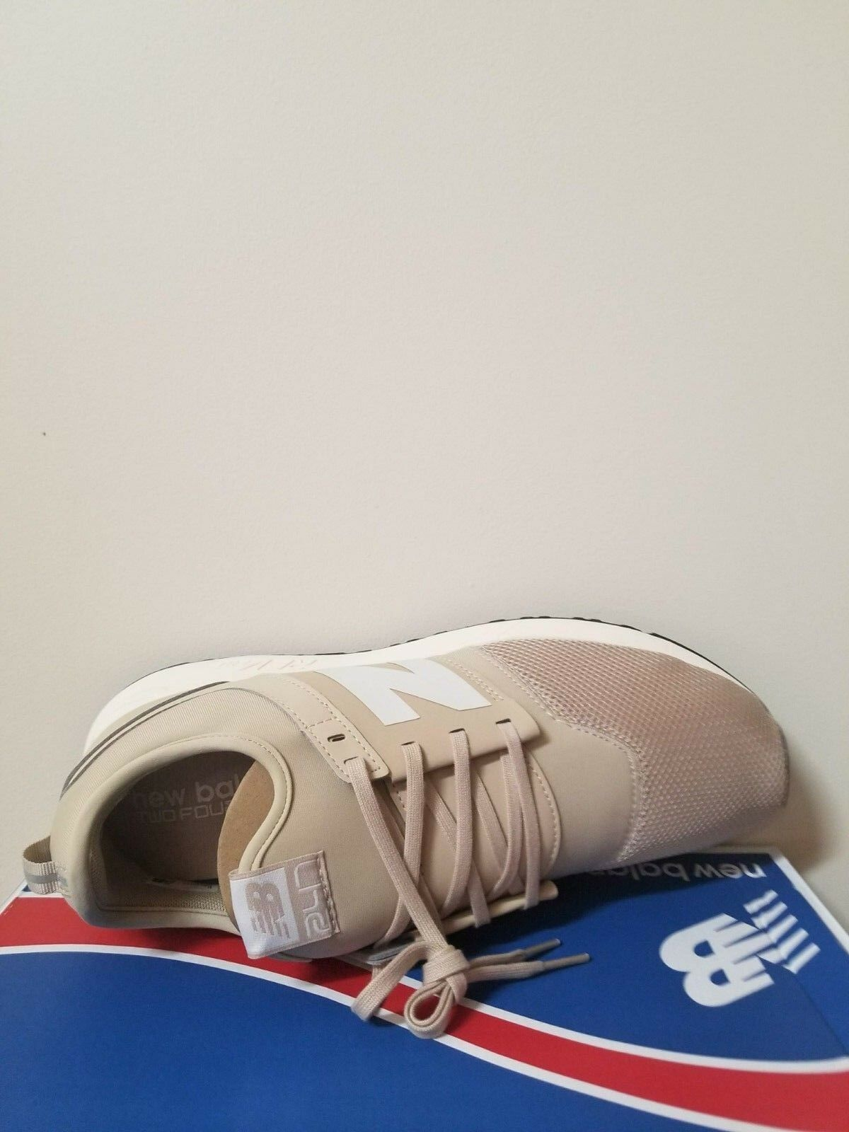 New Balance Men's Men's Men's  247 Classic Casual Sneakers from Finish Line Size 9.5 NIB ea8ba3