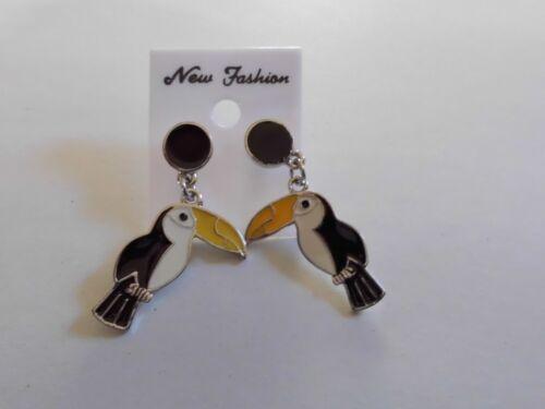Ohrring mit großem schwarzenTukan orange Schnabel  Vogel süß aus Email 4978