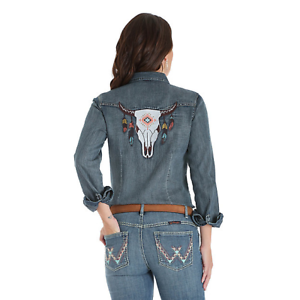 Wrangler-Women-039-s-Steer-Skull-Denim-Snap-Up-Western-Shirt-LW1893D